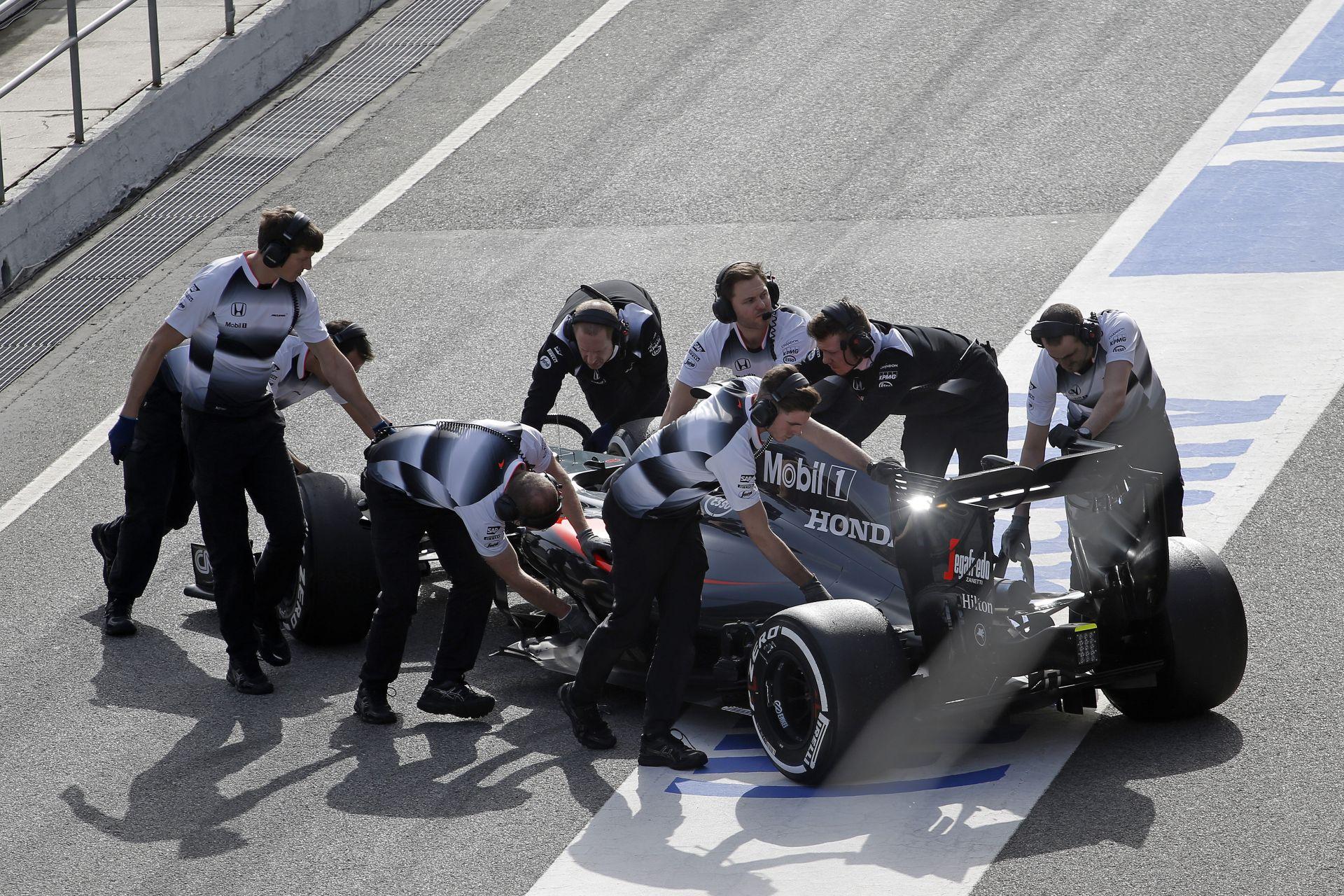 McLaren: olyan sosem lesz, hogy mindenkinek a kedvében tudsz járni