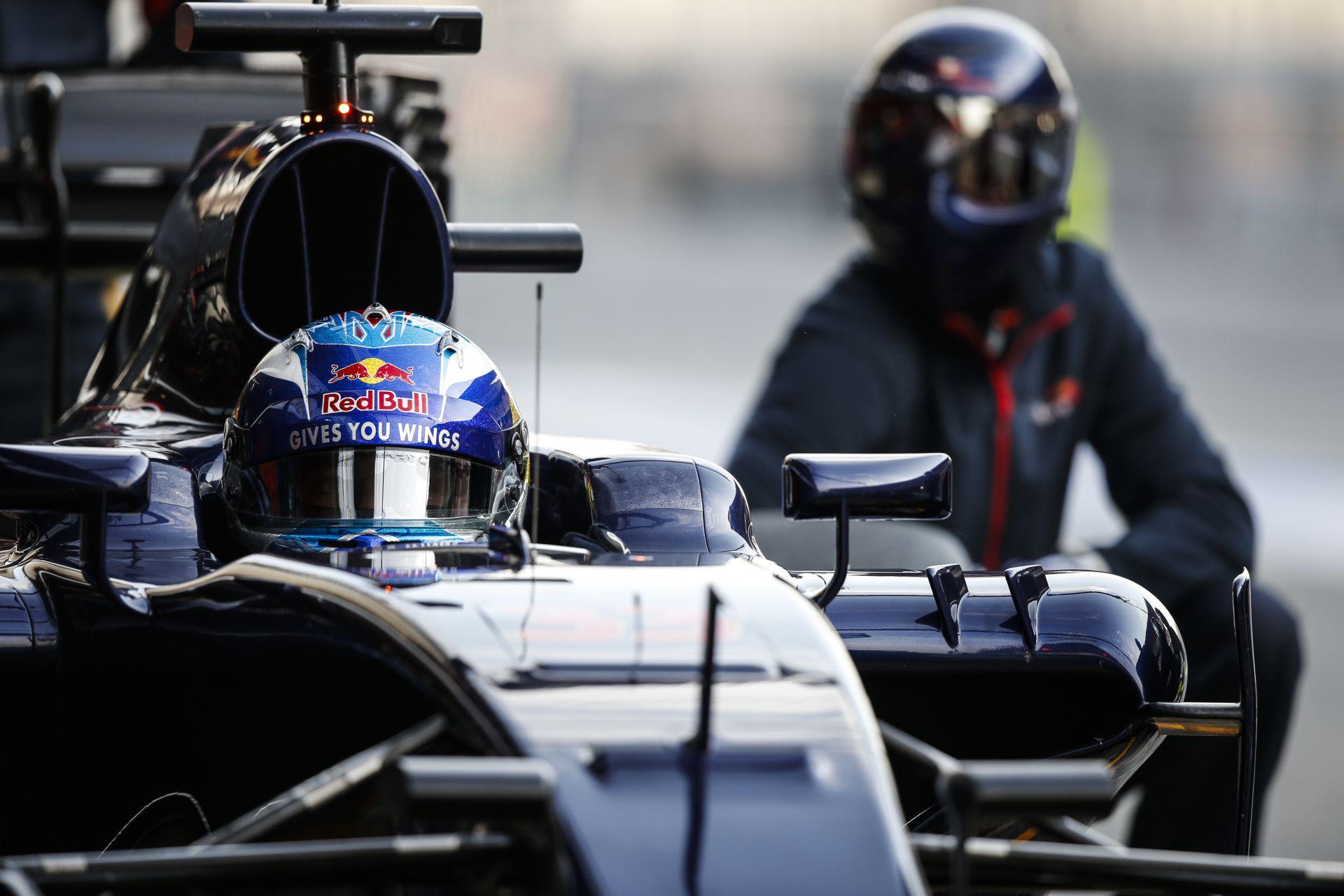 A Toro Rosso a Mercedes mögött zárt a megtett kilométereket tekintve