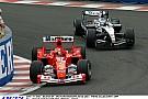 A pillanat, amikor Raikkönen nyer, miközben Schumacher hétszeres bajnok lesz