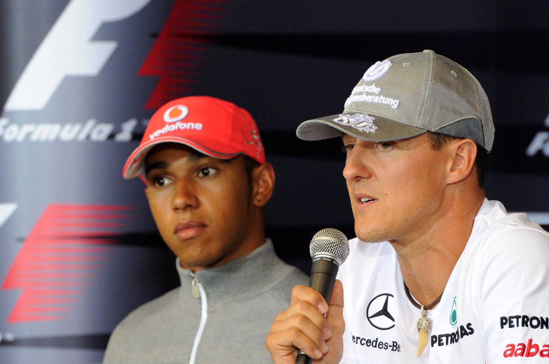 Hamiltonnak most Schumacher miatt kell magyarázkodnia