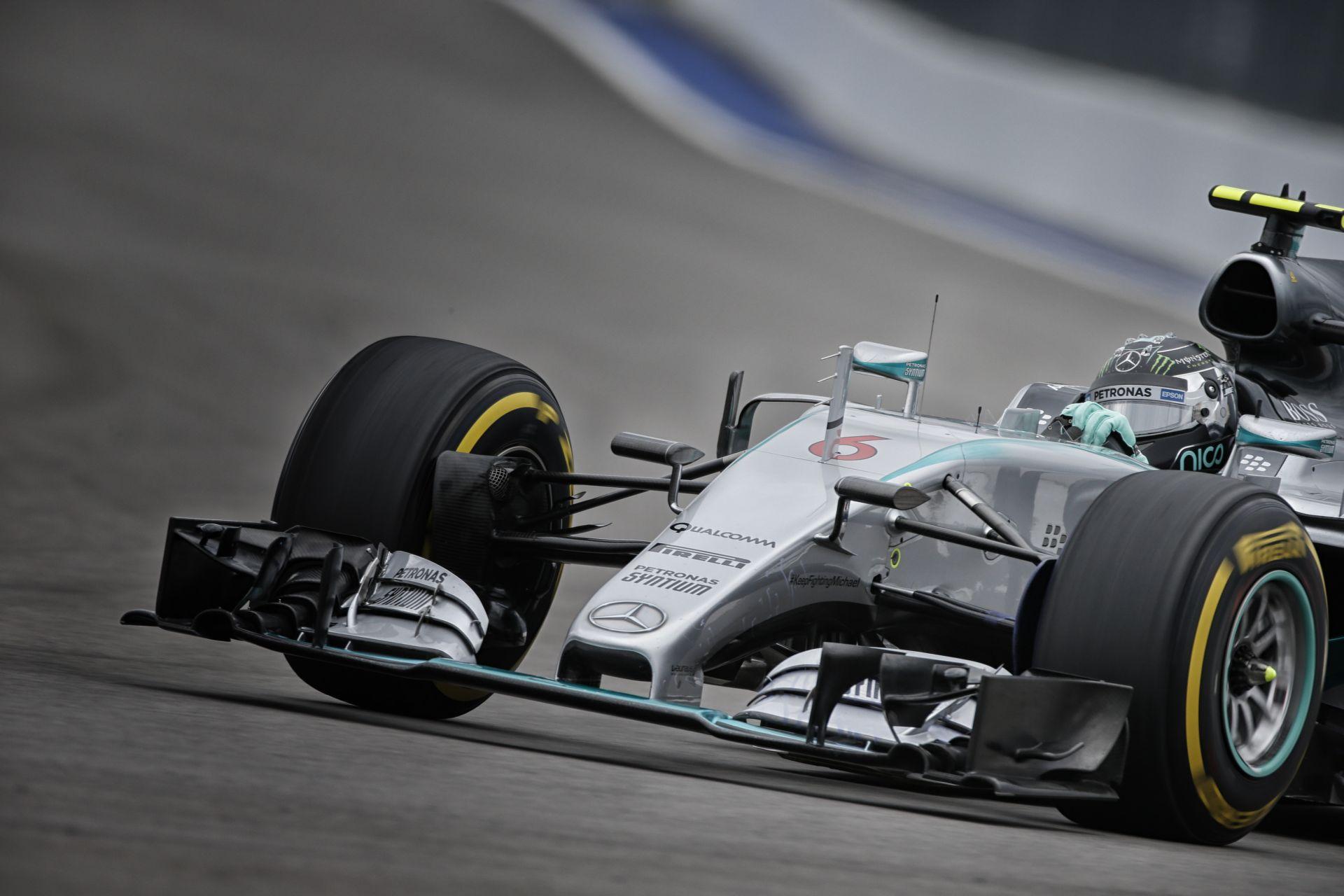 Videón Rosberg rajtelsőségét érő köre Szocsiból