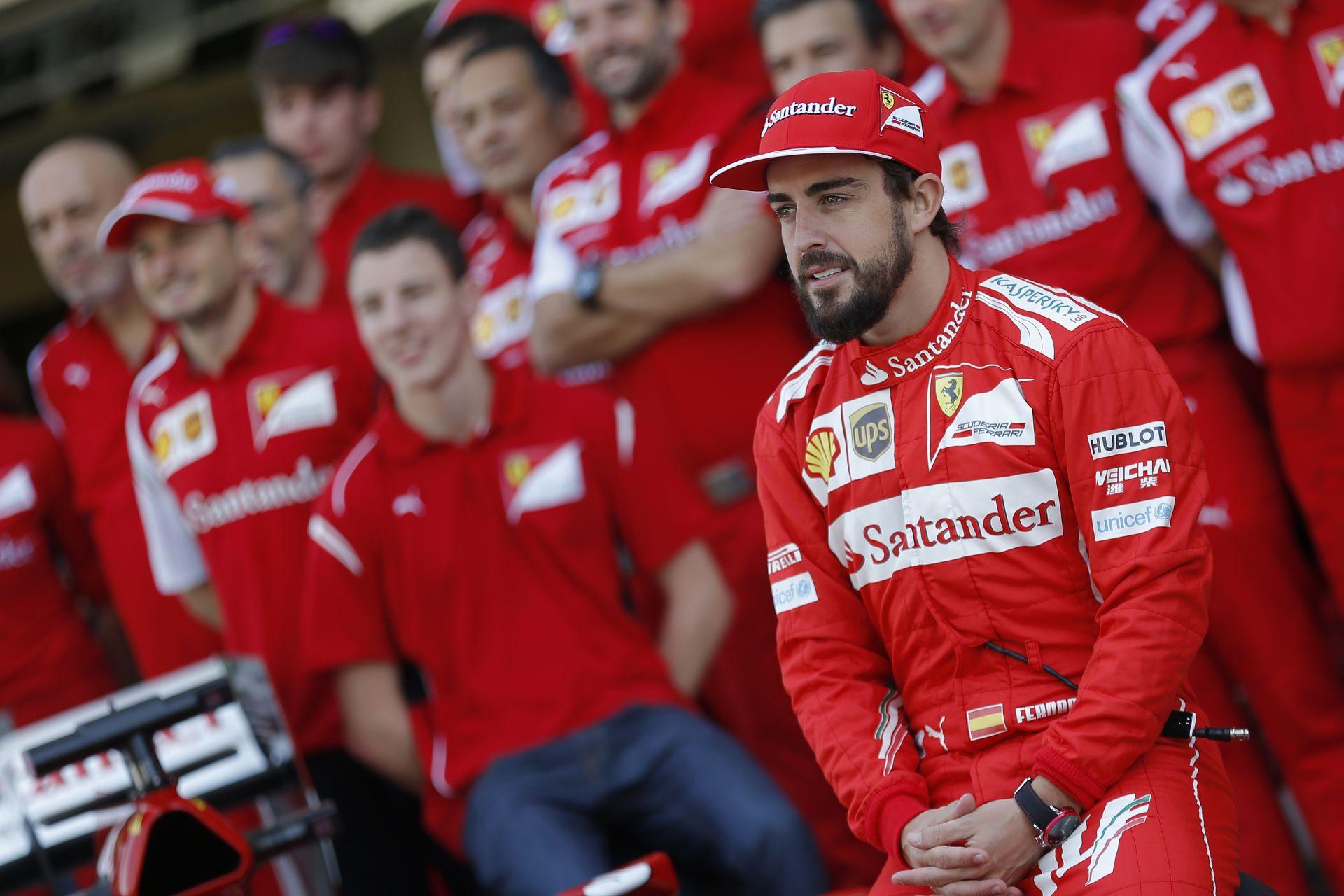 Alonso beszólt a Ferrarinak: Mire fel ez a nagy öröm?