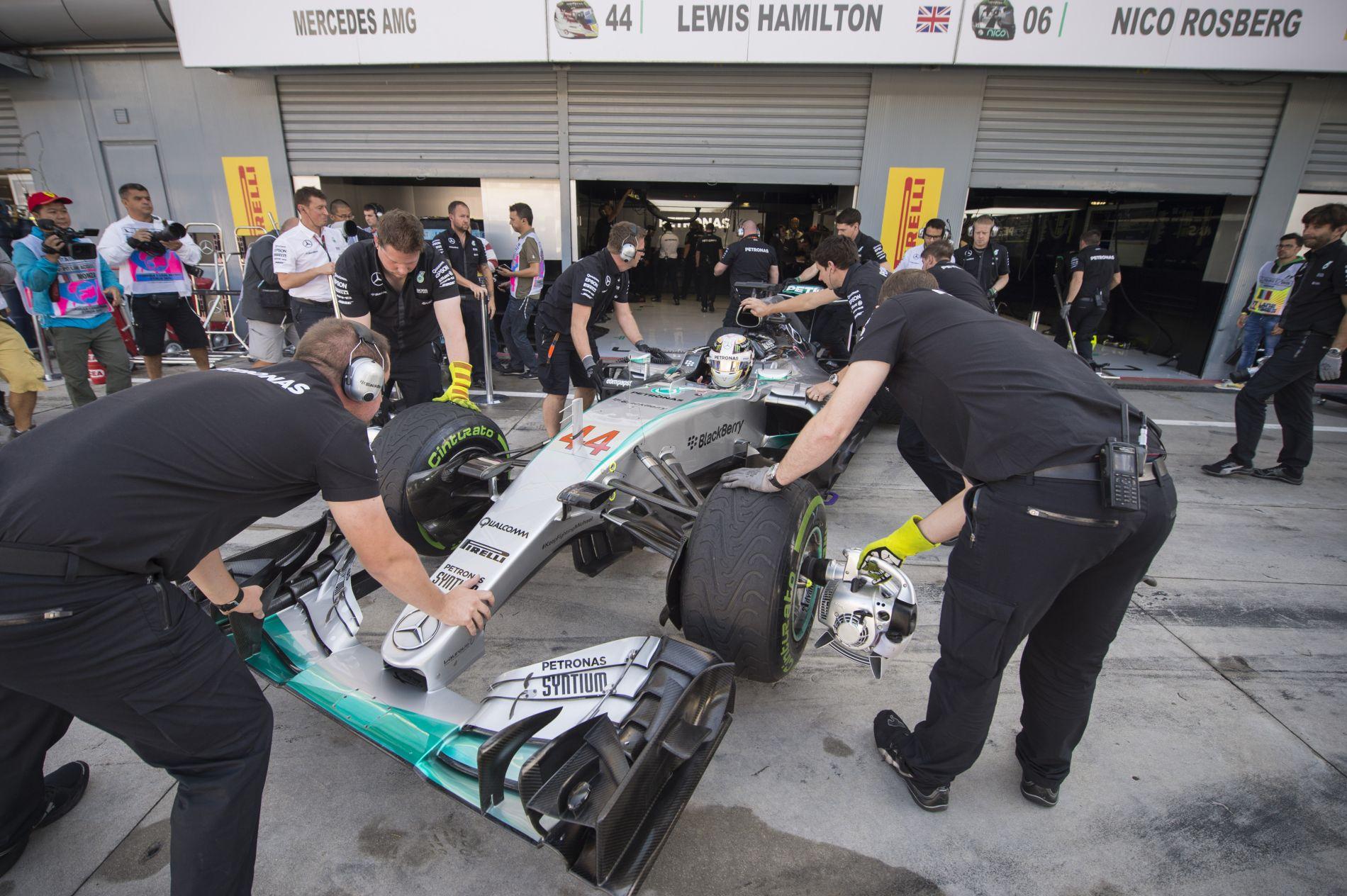 A Mercedes mindent úgy csinált, ahogy évek óta: hol a bibi?