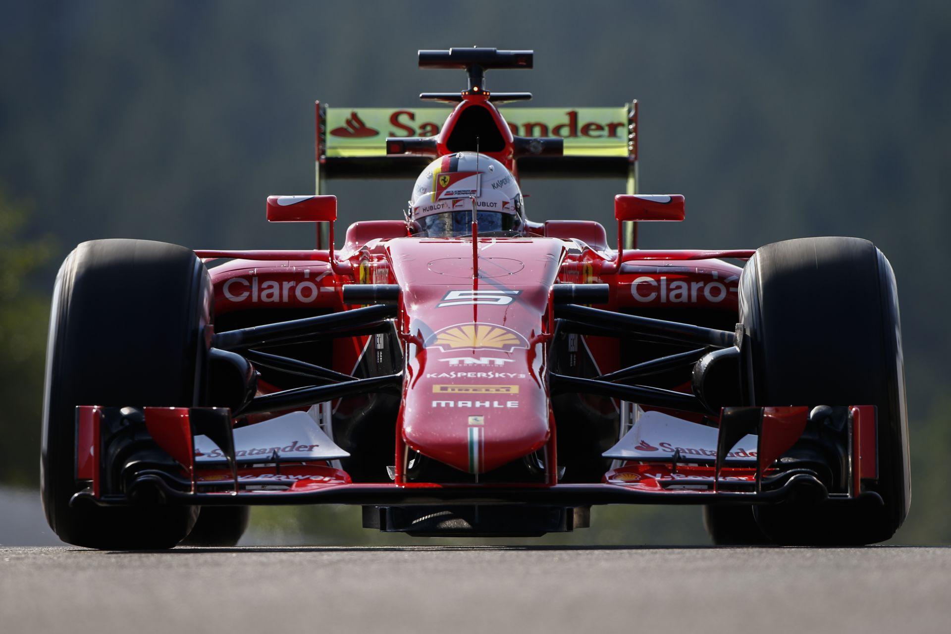 Videón Vettel egészen hihetetlen pole köre Szingapúrból a Ferrarival