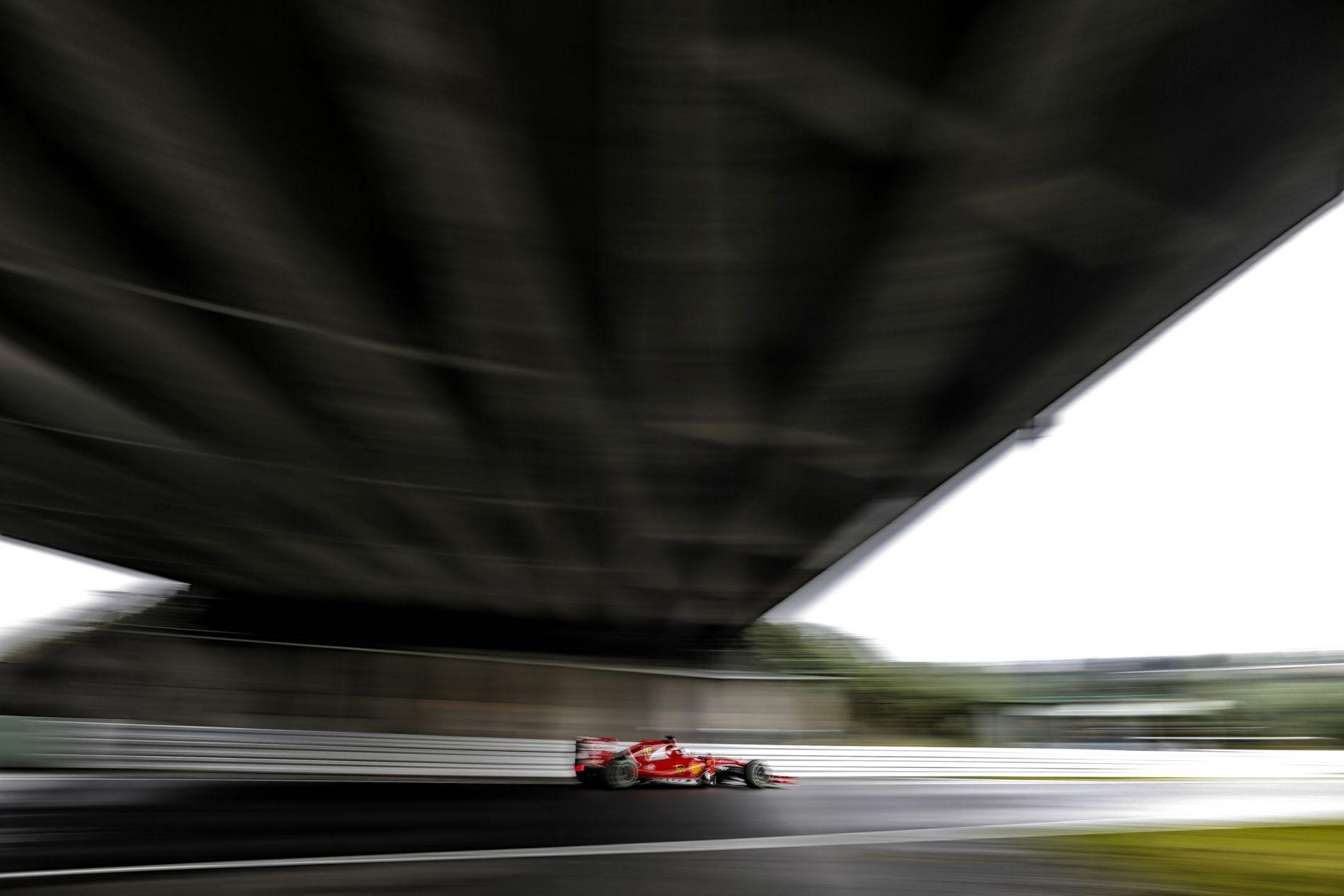 Mindkét ferraris a harmadik rajthelyre hajtott, Räikkönennek és Vettelnek sem lett meg