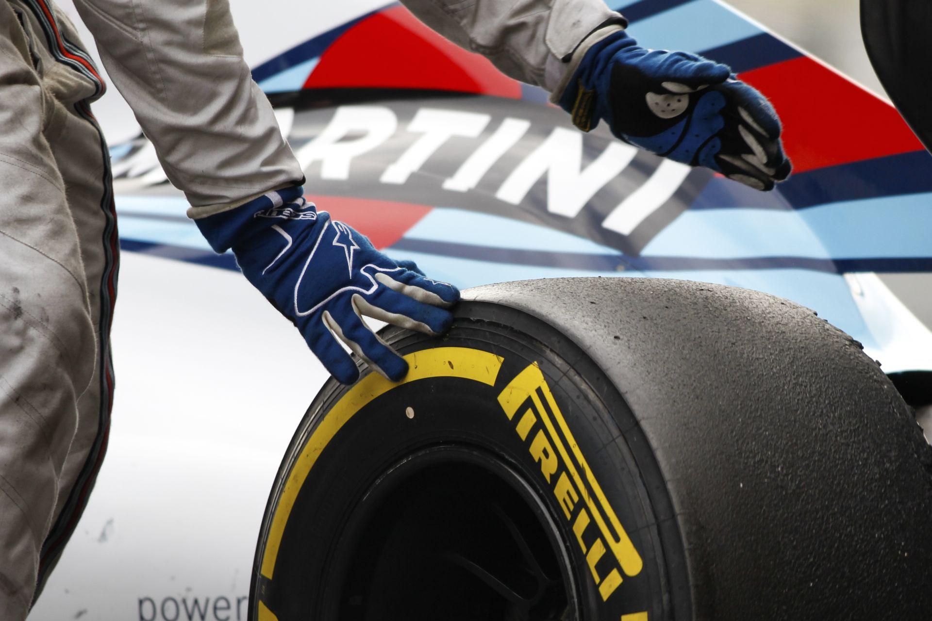 A Pirelli az arany középútra törekszik, azaz viszonylag gyorsan kopó abroncsokat szeretnének 2016-ban