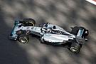 Hamilton a második edzést is megnyerte a Mercedesszel Abu Dhabiban: Rosberg tapad, Alonso alatt megint megállt a Ferrari
