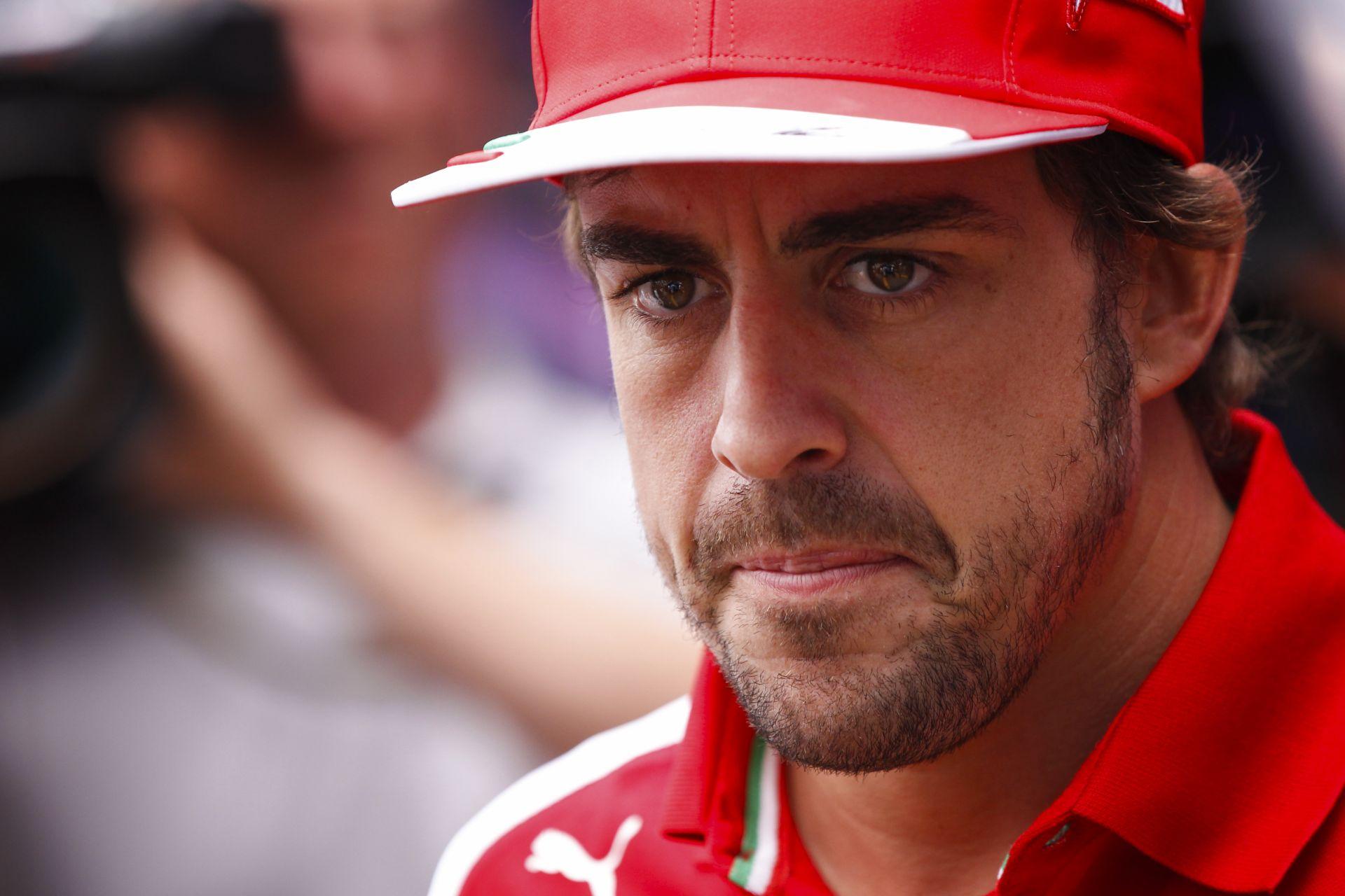 Alonso: Jövőre a McLaren, vagy a Red Bull versenyzője leszek? Ez egy nagyon bonyolult kérdés…