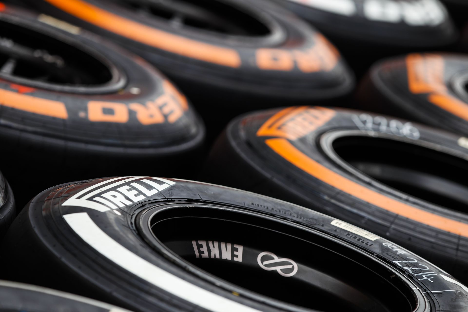 Hivatalos: Változtat a Pirelli a Brazil Nagydíjra szánt keverékein! Massa megnyugodhat