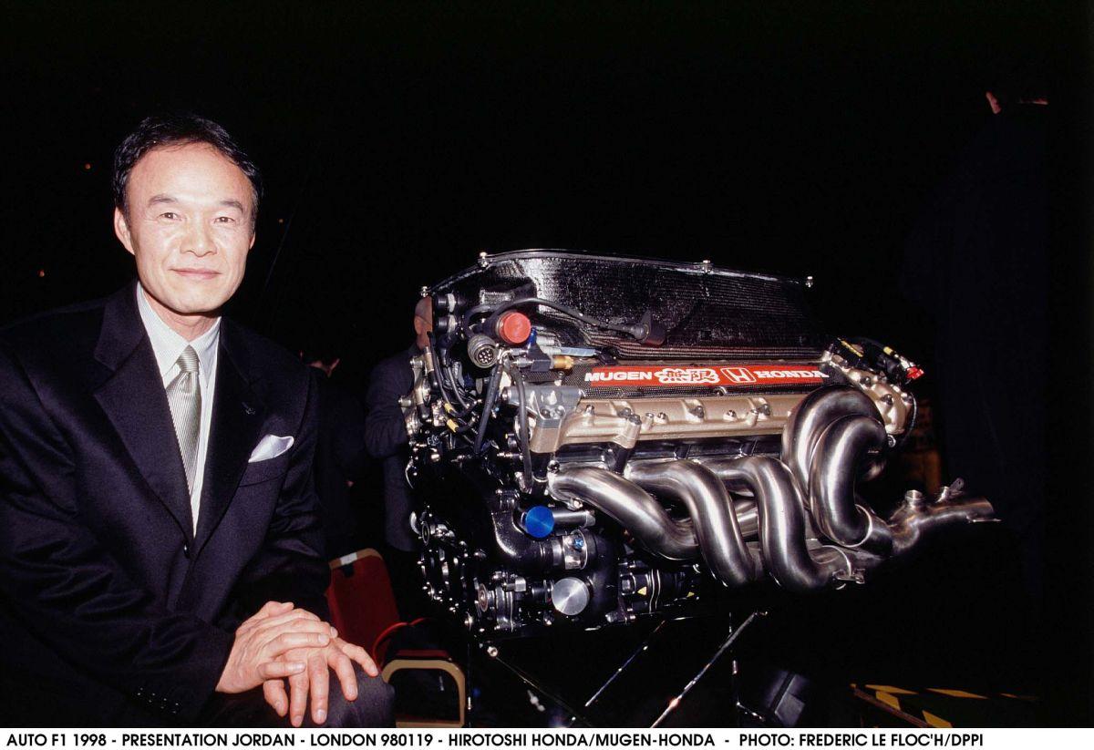 A Mercedes tanácsa a Hondának: mindhárom motort vegyék szemügyre, ne csak az övékét