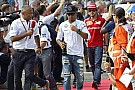 Hamilton érzi, kezdenek elfogyni a versenyek: pozitív hozzáállás a nehézségek ellenére