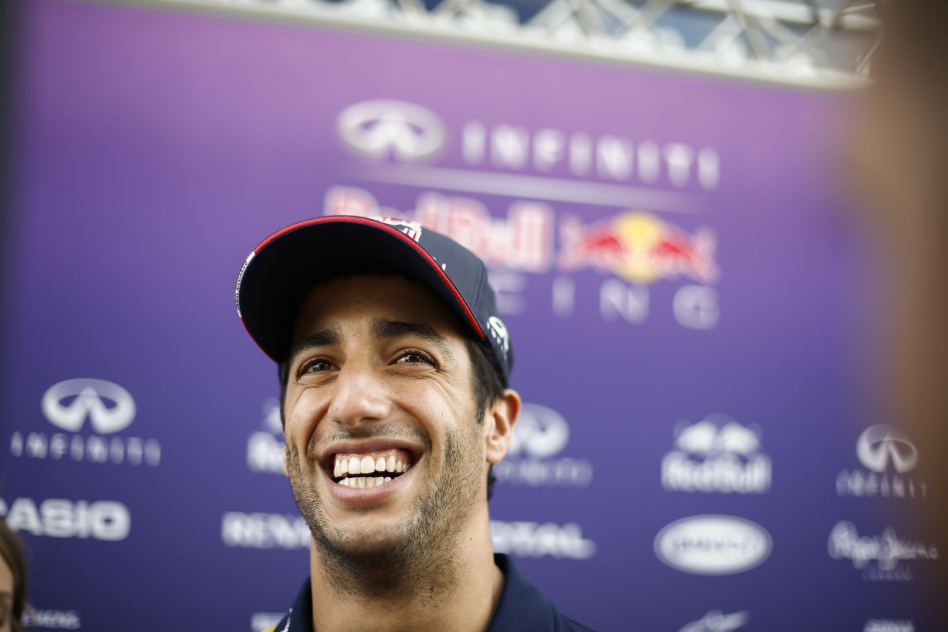 Ricciardo nevetve és mosolyogva szedheti darabokra Vettelt