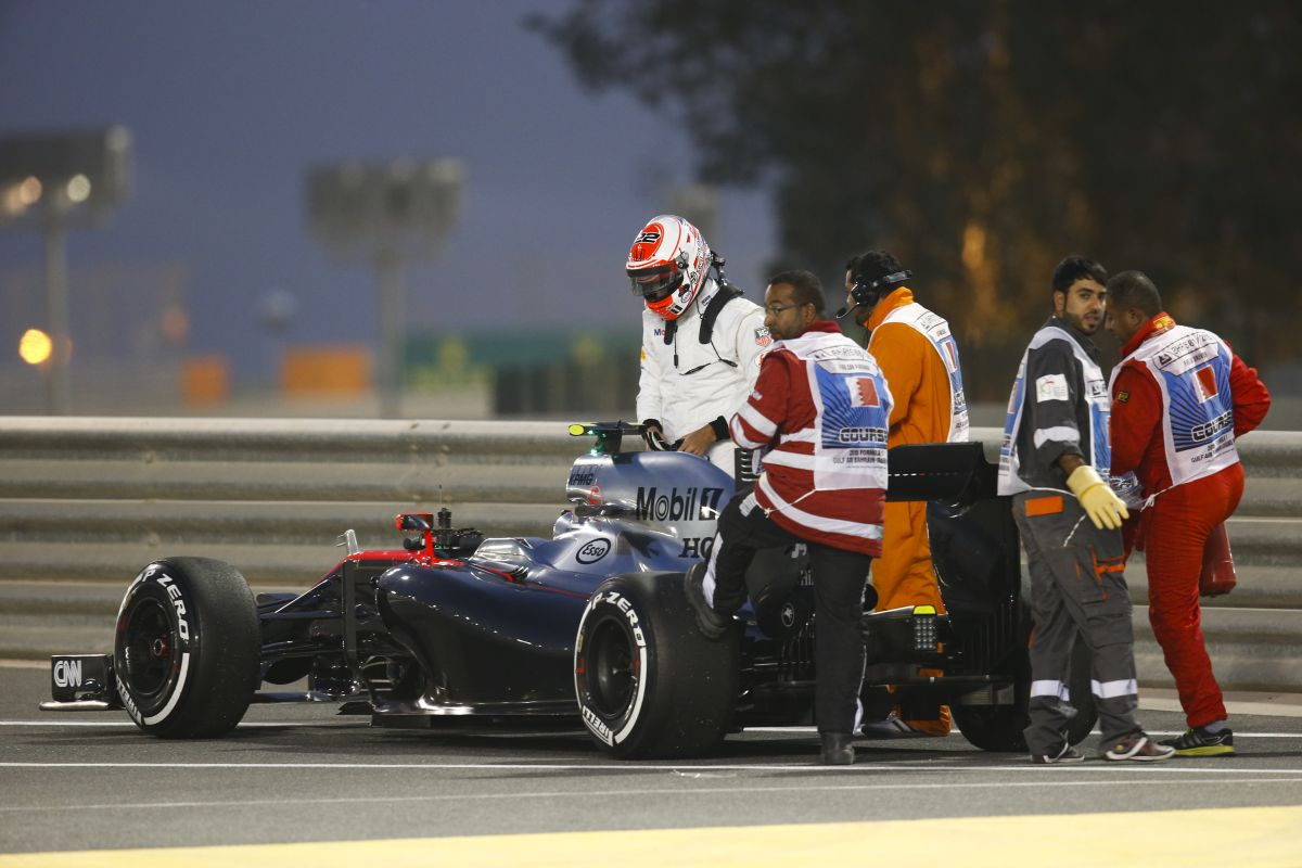 Button élvezte, hogy végignézte a Bahreini GP-t: elég halkak ezek az autók, nem igaz?