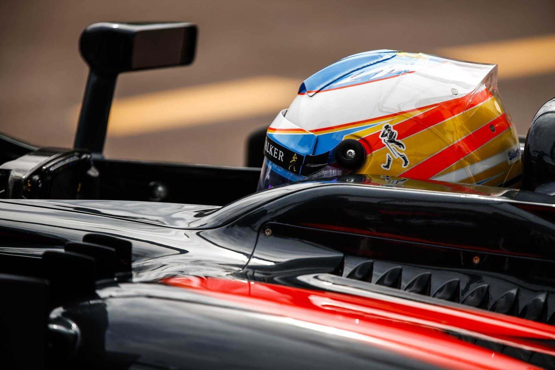 McLaren: Alonso azért él, hogy nyerjen - a sötét oldala nálunk még nem mutatkozott meg!
