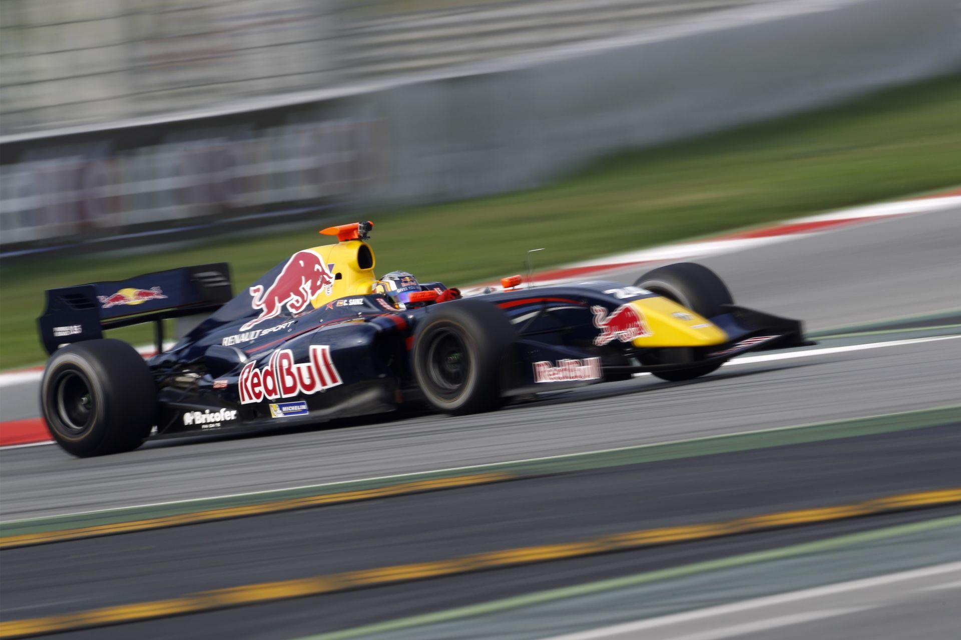 A Red Bull beindult: Sainz már idén debütálhat a Forma-1-ben!
