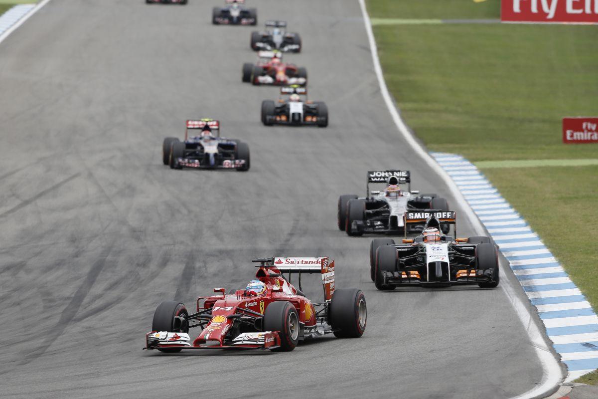 Ismét csak egy Ferrari szerzett pontot - Alonso szerint fejlődni kell, mert a Williams feljebb lépett