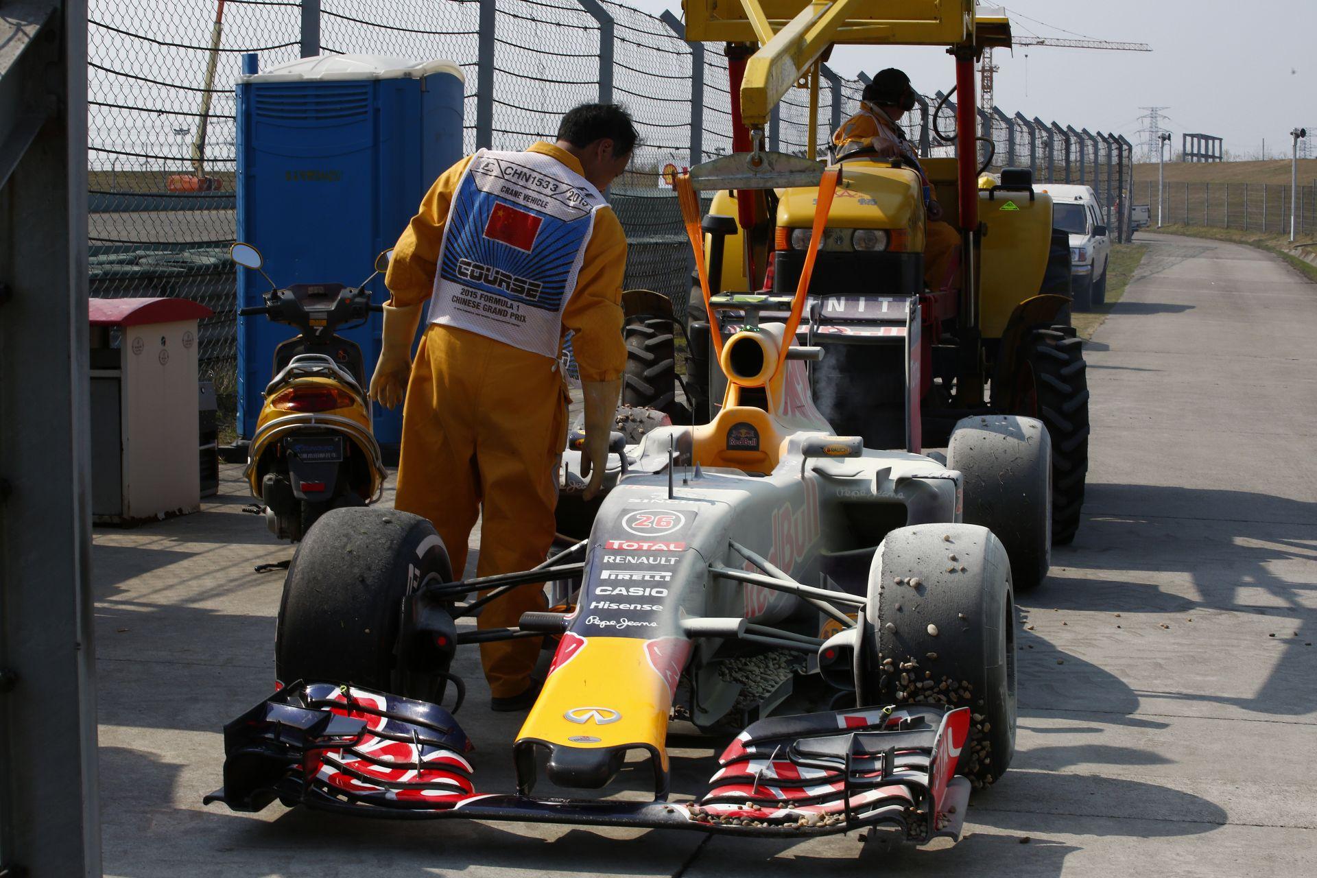 Christian Horner a Renault motorokról: Becsukjuk a szemünket, és reménykedünk. Mi mást tehetnénk?