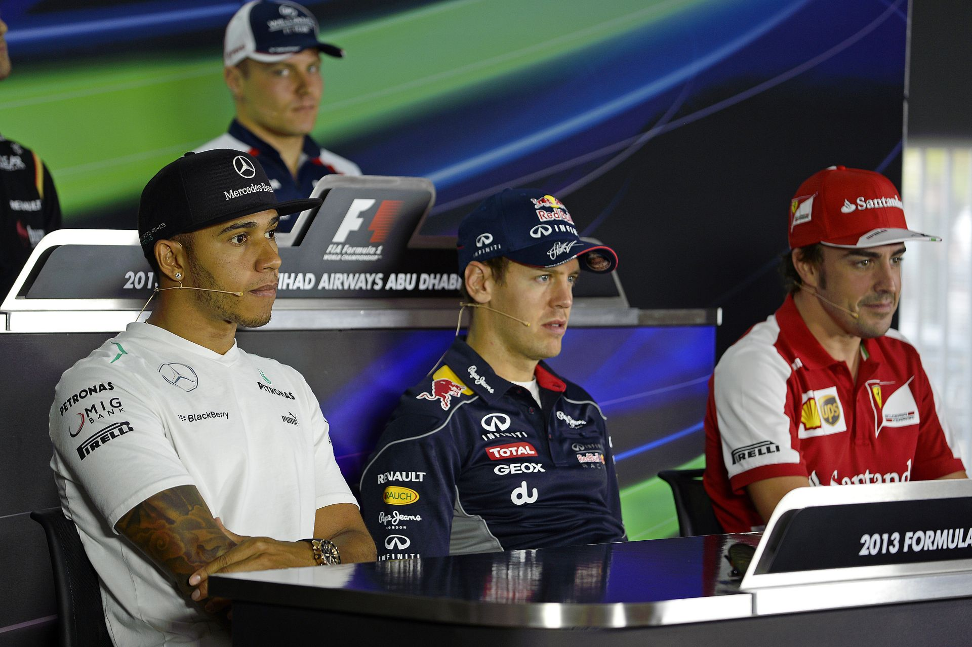 A McLaren Alonsót, Vettelt és Hamiltont is kivásárolná a szerződéséből