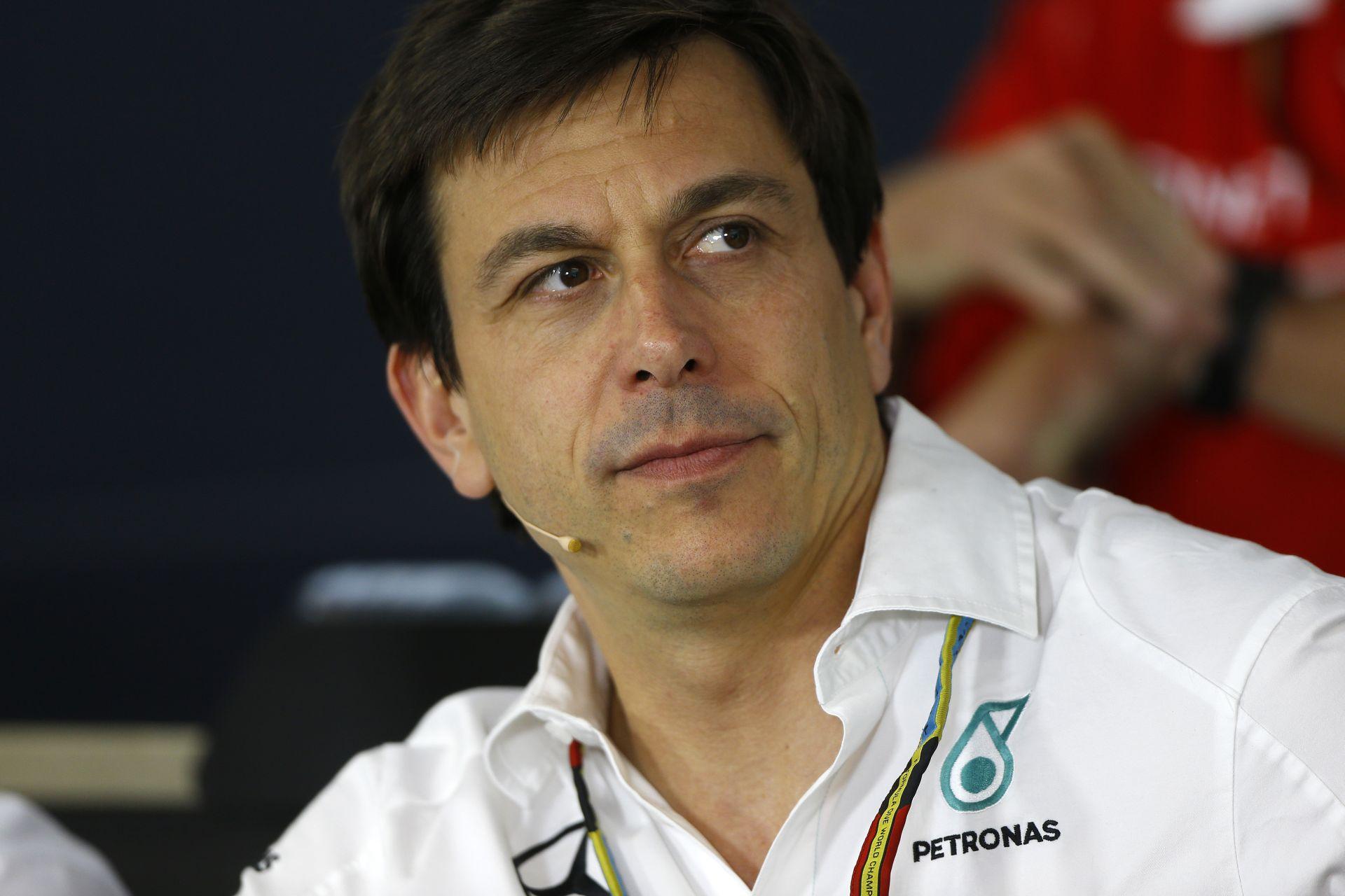 Wolff: Ha Hamilton elengedi Rosberget, akkor valószínűleg megnyerjük a Magyar Nagydíjat