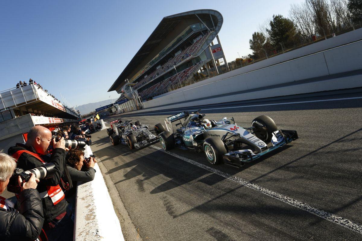 A Renault 1 másodpercre teszi a Mercedes előnyét, és ennél több van a W06-ban