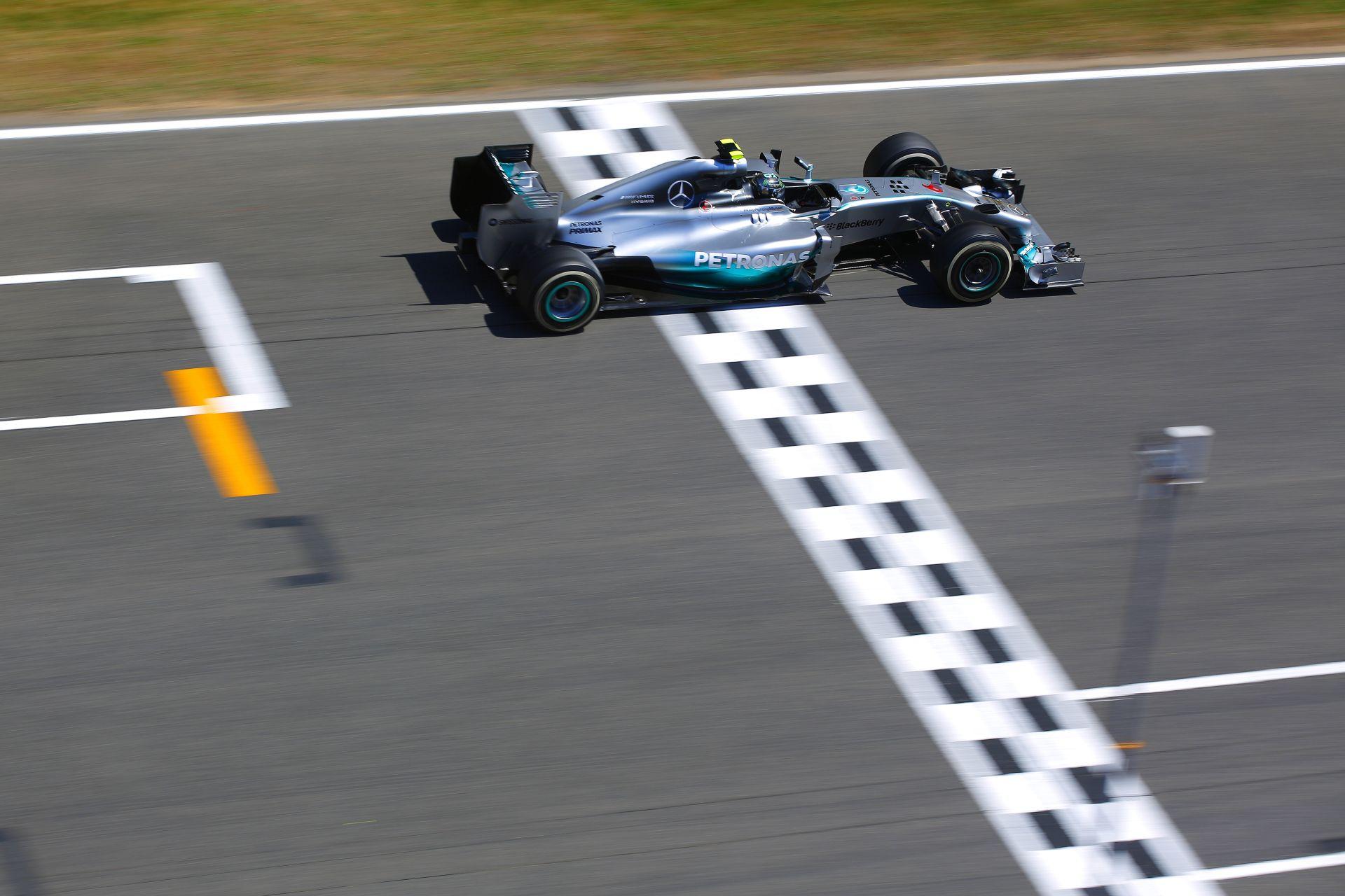 """Rosberg """"téridő ugrással"""" nyerte meg a harmadik edzést Hamilton és Alonso előtt Spanyolországban"""