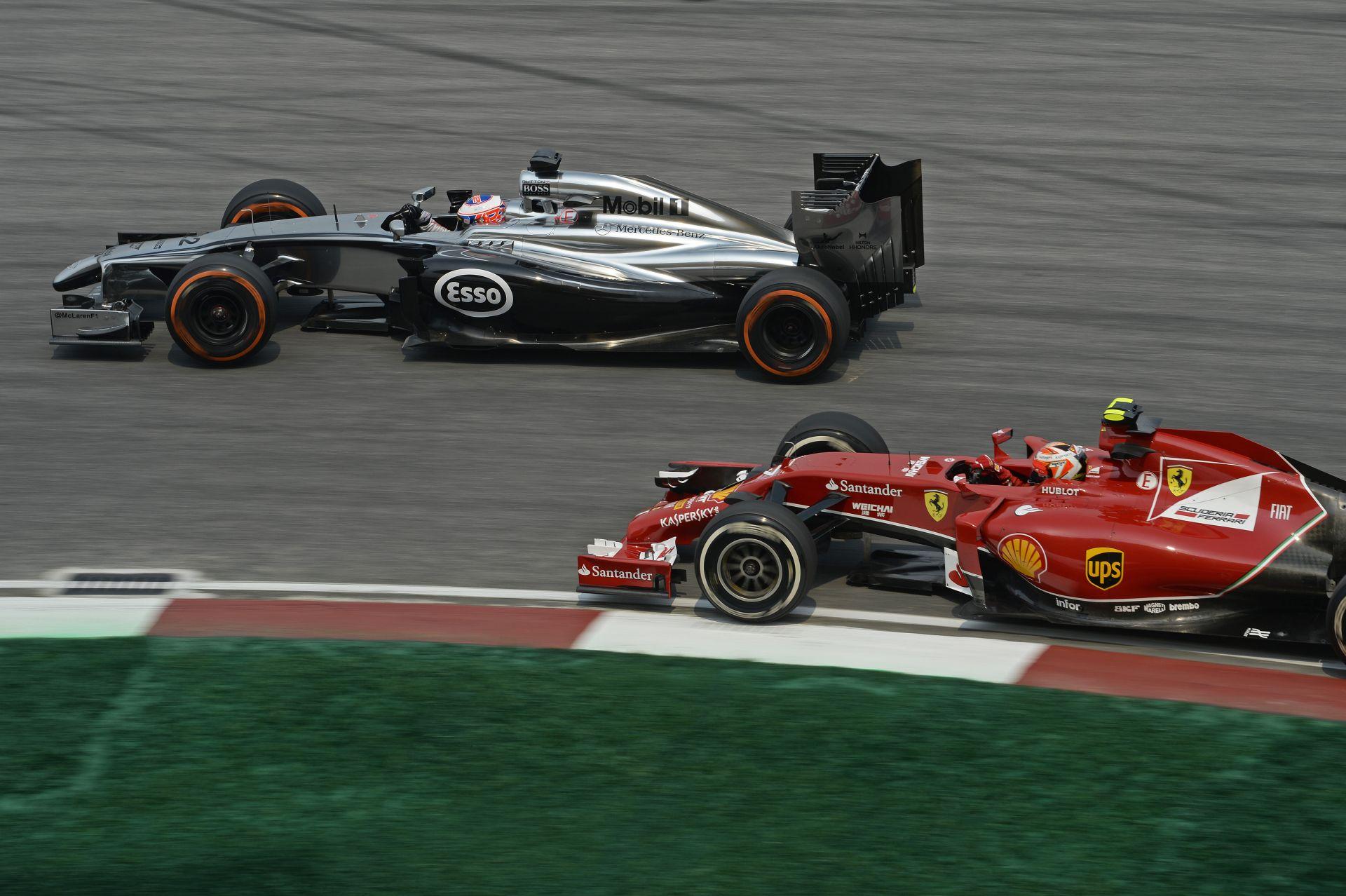 Prost: Szomorú látni azt, hogy a Ferrari és a McLaren szenved
