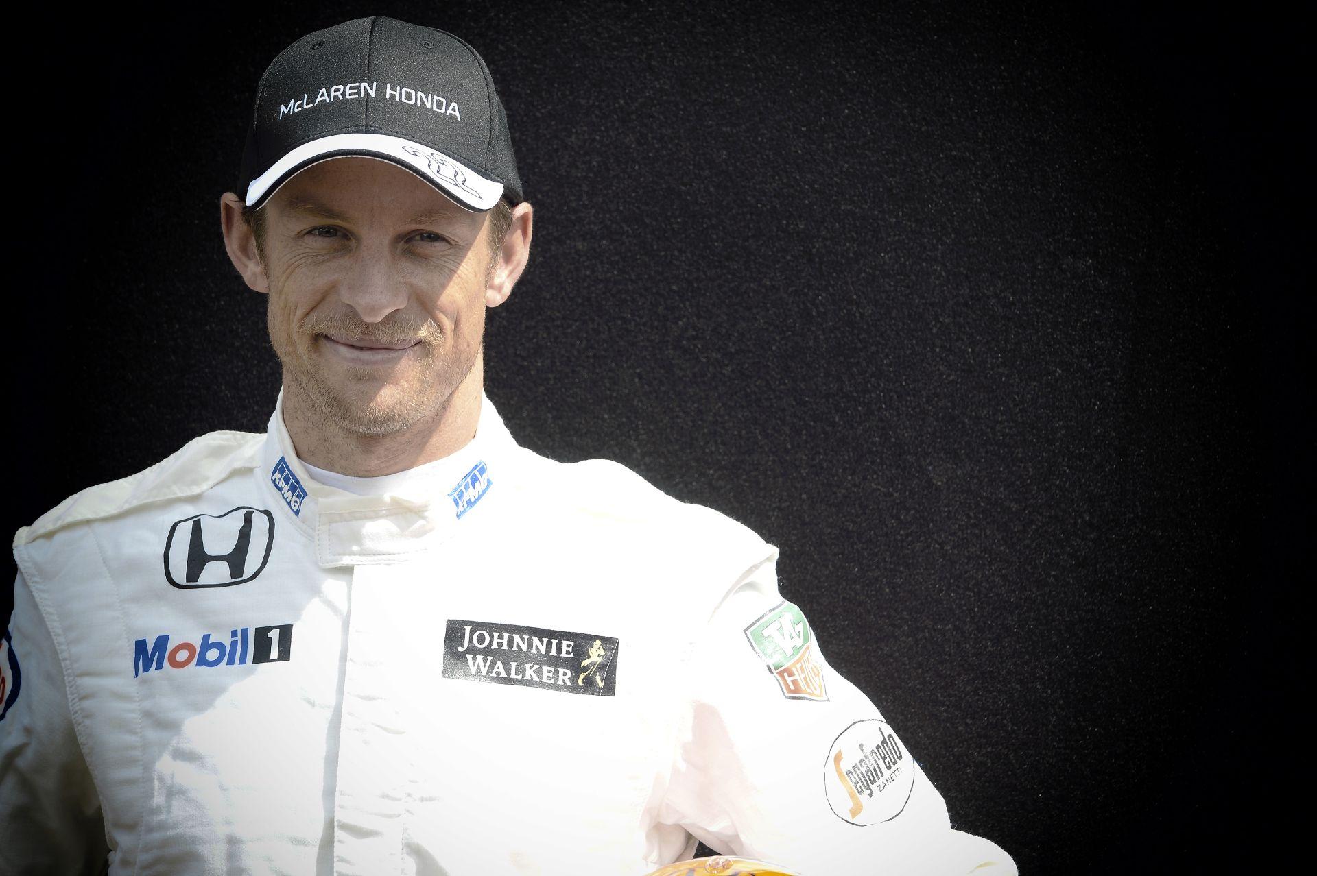 Button: Nem a Mercedes hibája, hogy ők a legjobbak a Forma-1-ben