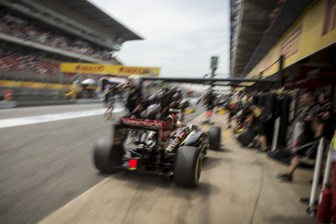 A monacói aszfalt és a lágy keverékek sem agresszívak: kipörgő kerekekre számít a Pirelli