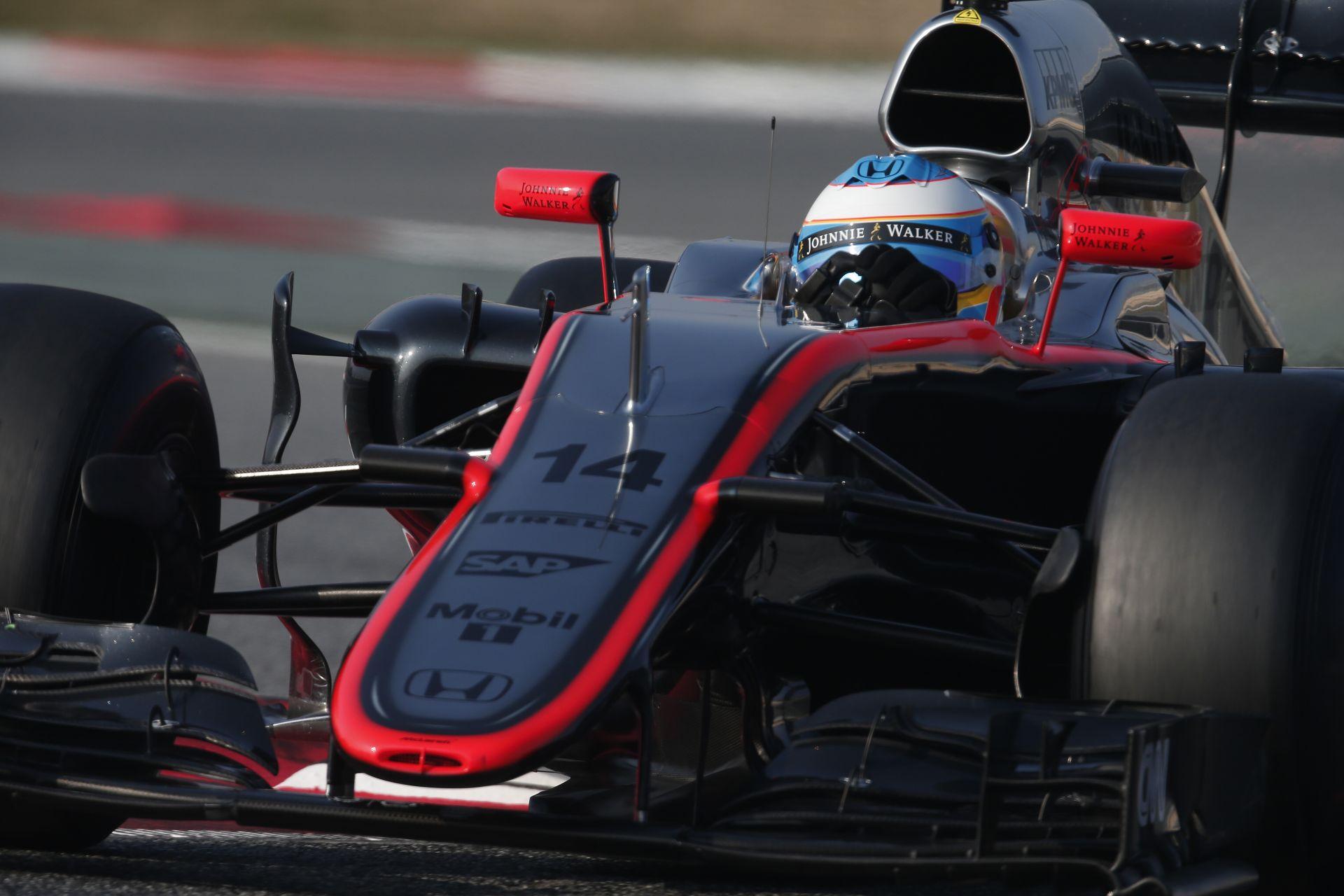 Alonso készen áll az idei első futamára: addig nyomják, amíg nem jönnek az eredmények