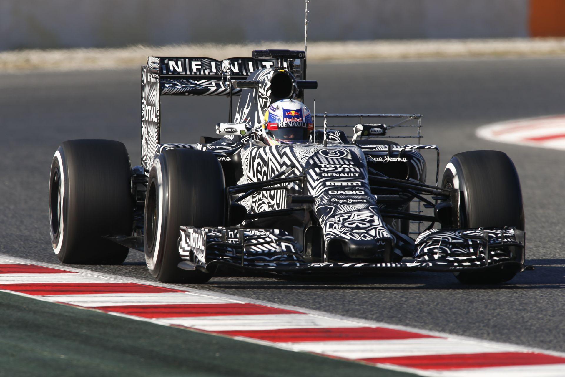 Ricciardo minimális különbséggel vezet Raikkönen előtt Barcelonában a második tesztnapon