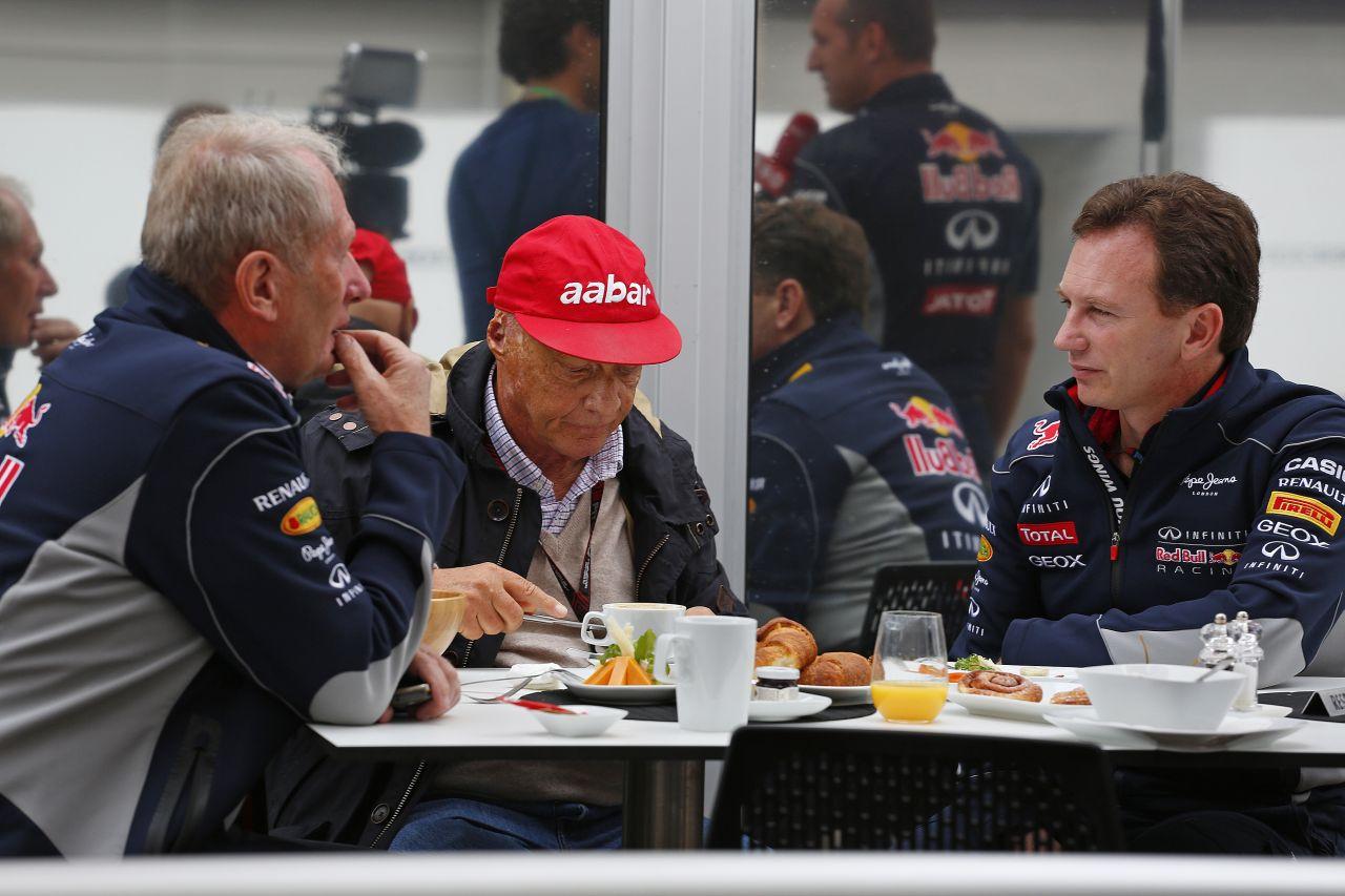 Vettel nem panaszkodna, ha egy Mercedesben ülne és nyerne: Lauda vs. Marko