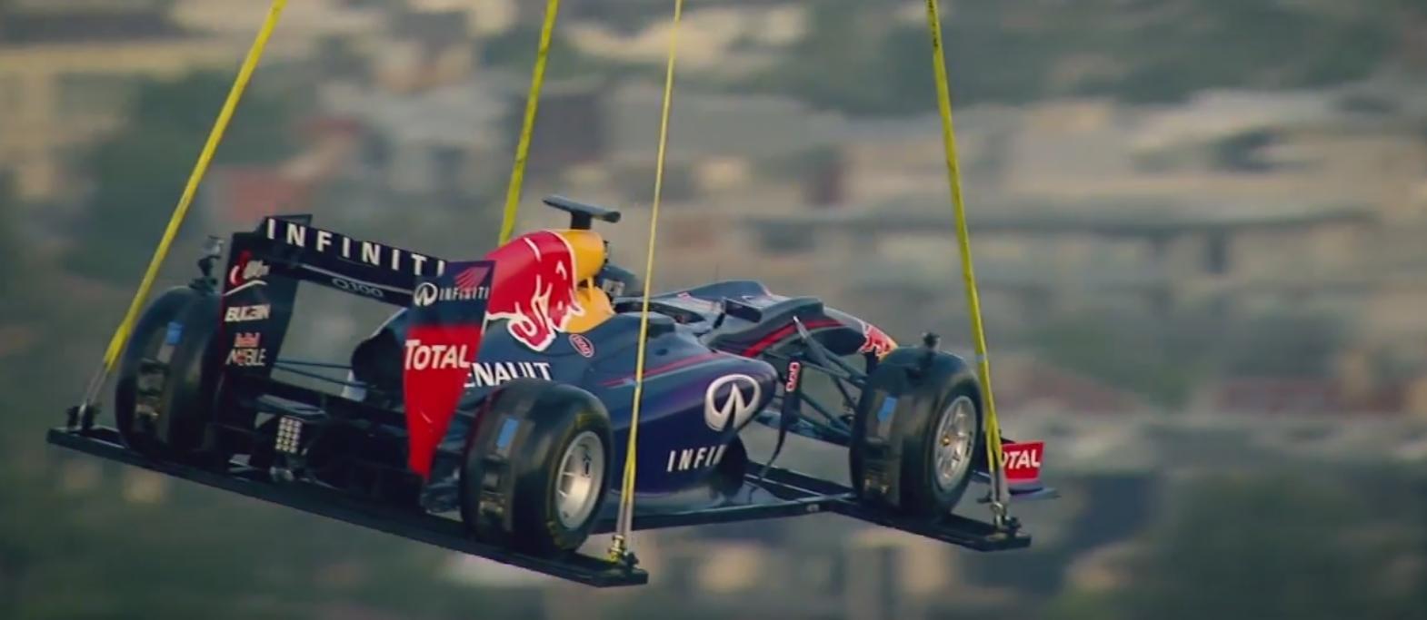 Ausztrál Nagydíj 2014: Levegőben a Red Bull! Látványos promócióra az évadnyitóra