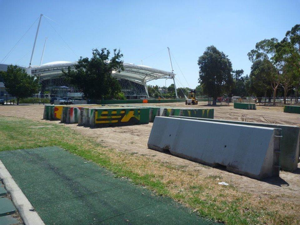 290 000 munkaóra 2 percben: timelapse az ausztrál futam előkészületeiről