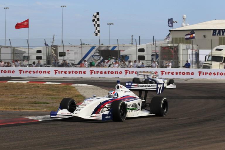 Őrülten szoros befutó az Indy Lights-ban: micsoda célfotó?!