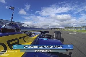 Kapaszkodjatok. Így vezet a Formula E-ben a négyszeres F1-es világbajnok Prost fia