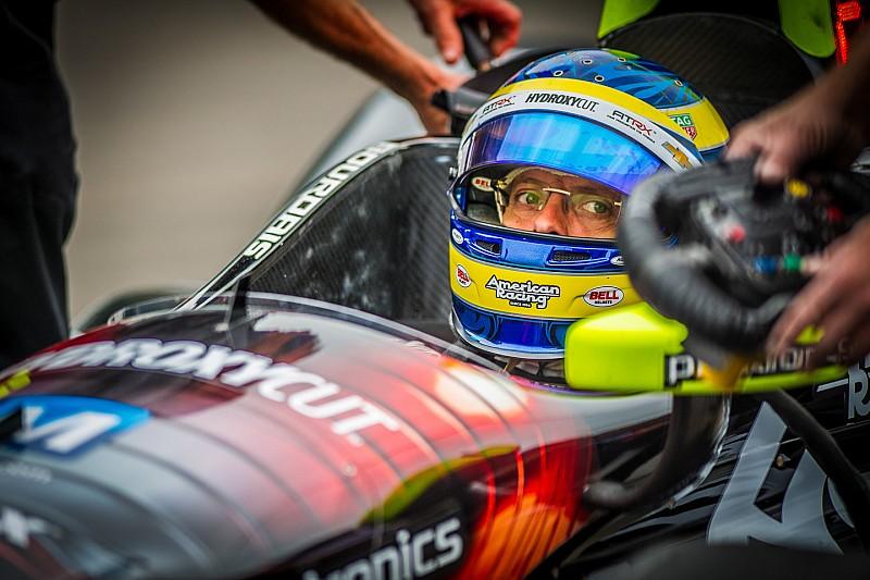 Разминка IndyCar сорвана из-за дождя