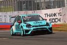 TCR Sochi: Comini leidt van start tot finish in race 1