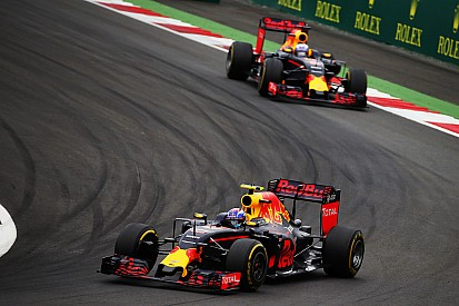 Ricciardo begrijpt niet waarom Verstappen sneller was