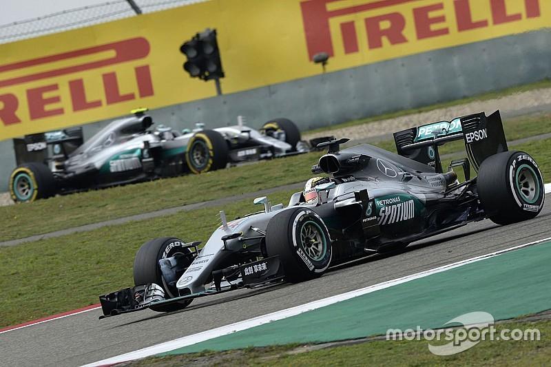 Keine Stallregie bei Mercedes: Hamilton und Rosberg dürfen weiter frei fahren