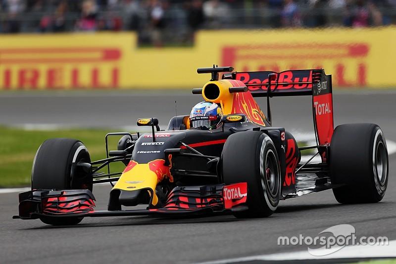 """Ricciardo niet bang voor Verstappen: """"Heb alleen angst voor haaien en slangen"""""""