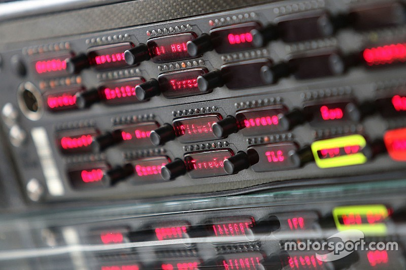 F1-teams krijgen officieel te horen dat radioverkeer is vrijgegeven