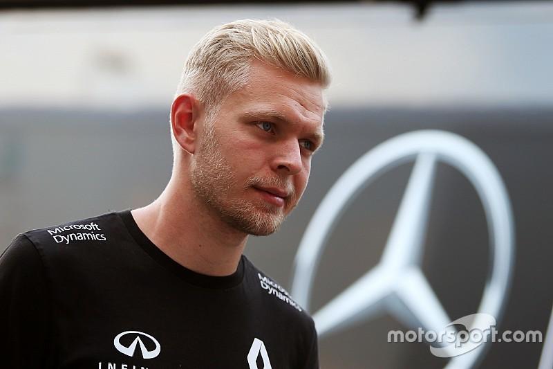 Zwaar gecrashte Magnussen verwacht deel te nemen aan Italiaanse Grand Prix