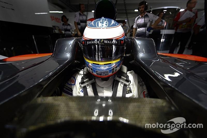 """Hamilton: """"Spero che Alonso non si ritiri, vorrei lottare di nuovo con lui"""""""