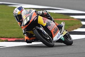 Moto3 Relato da corrida Binder vence mais uma e amplia vantagem; Navarro abandona