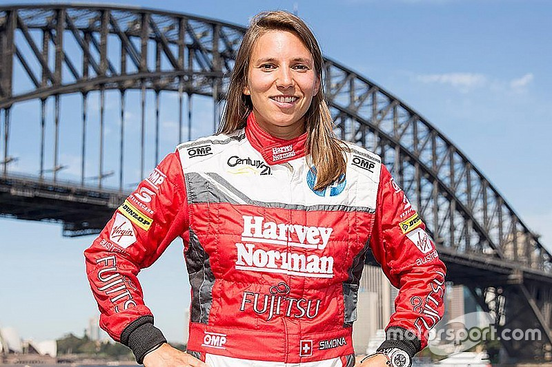 西蒙娜·德‧西尔维斯特罗与澳洲Supercars签下三年合约