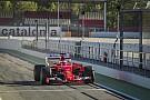 Ferrari працює на тестах Pirelli в Барселоні