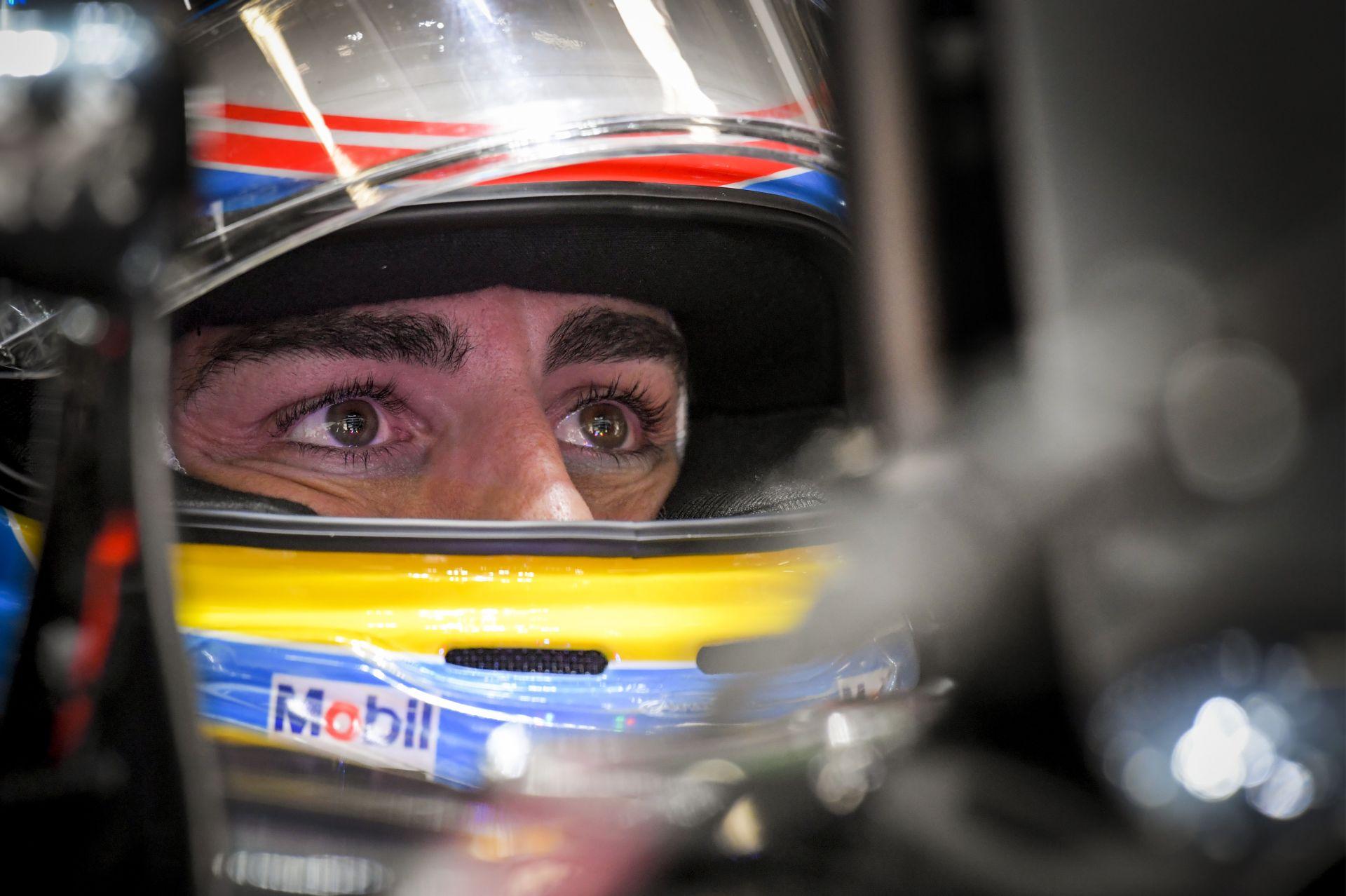 Alonso nagyon gyűri a futógépet!