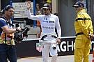 Alonso Kimi szurkolójával fogott kezet, aminek hangot adott - rácsodálkozott!