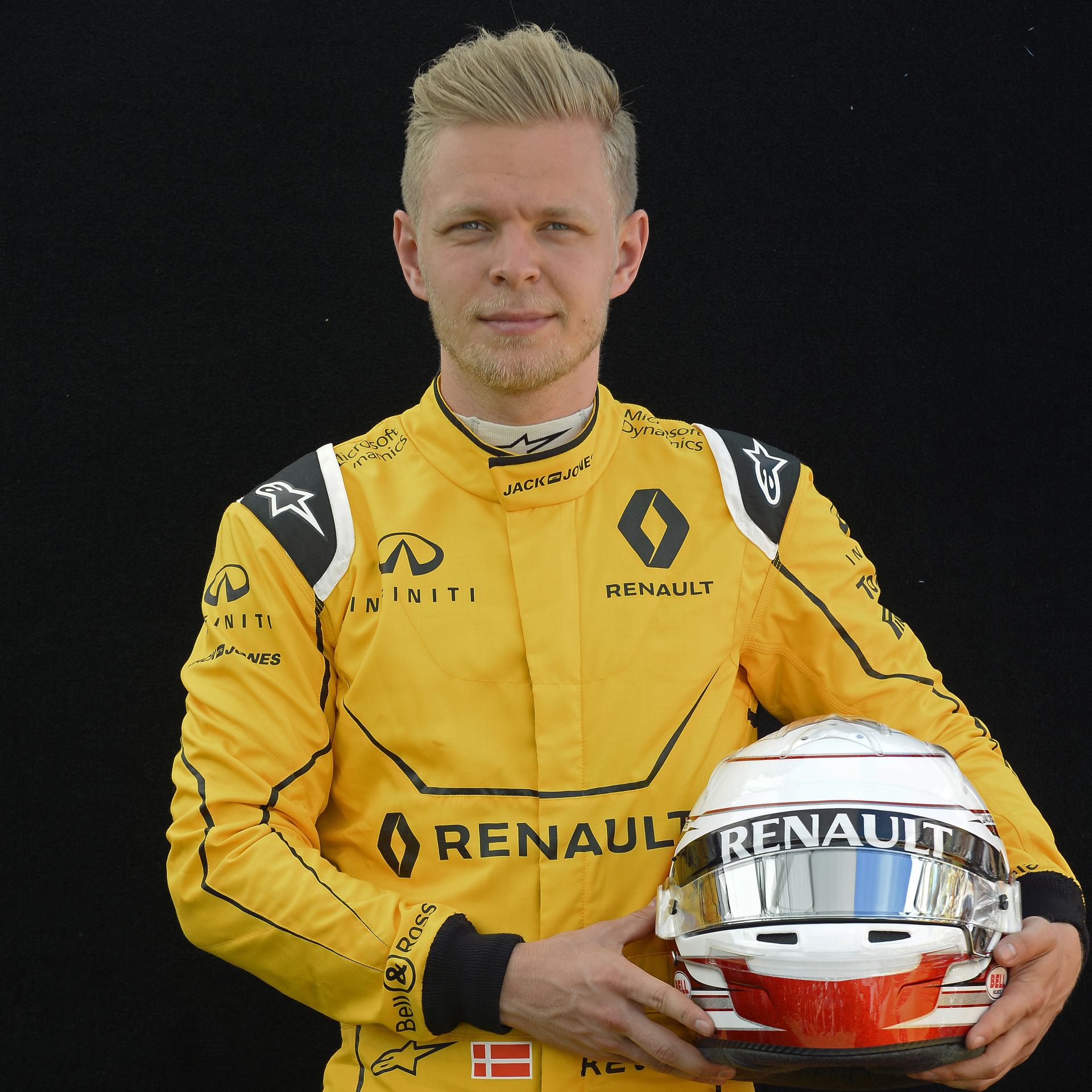 Belső kamerából a 8-a kanyar Bakuban: Magnussen és a Renault