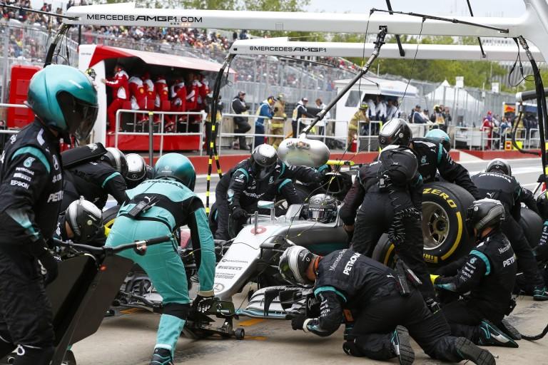 Nincs dráma: Rosbergnek a pénteki Mercedes motorja romlott el!